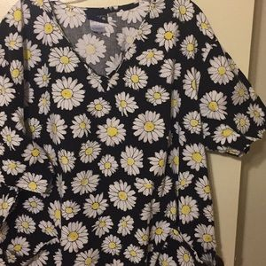 Other - Scrub top Daisies